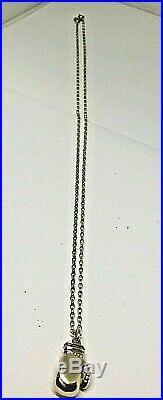 9ct gold boxing glove pendant on diamond cut belcher chain