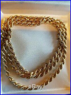 Stunning 9ct yellow gold solid rope necklace chain. Full 9ct gold hallmarks